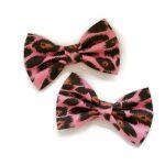 set van twee handgemaakte strikjes van roze luipaardprint