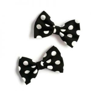 set van twee handgemaakte haarstrikken van zwarte katoen met witte polkadots