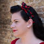 smalle katoenen haarband met kersjes en rode combi